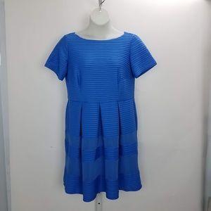 Taylor Pleated Midi Dress Sz 12 Blue B6